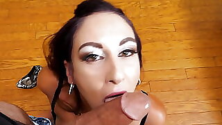 Mommy Artemisia Love sucks cock